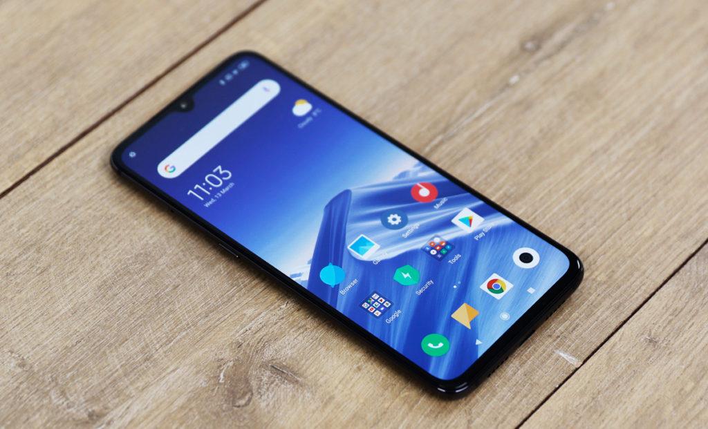 Xiaomi Mi 9 - самый лучший китайский смартфон на 2019 год